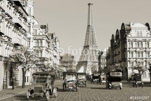 Париж -24643247