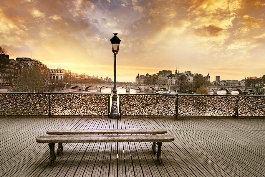 Фотообои Париж мост любви 38442954235