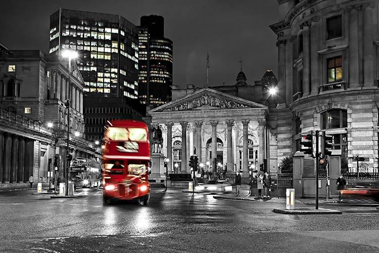 Лондон червоний автобус 105631805